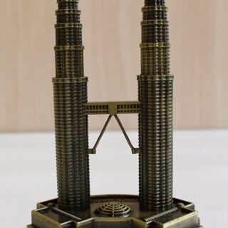 petronus twin tower showpiece