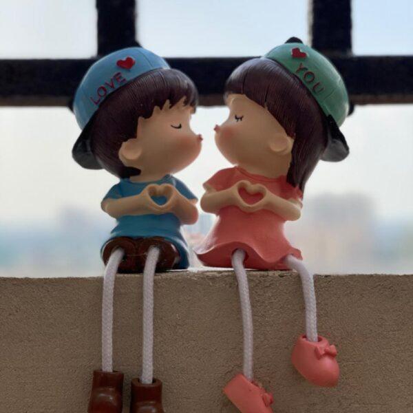 couple showpiece