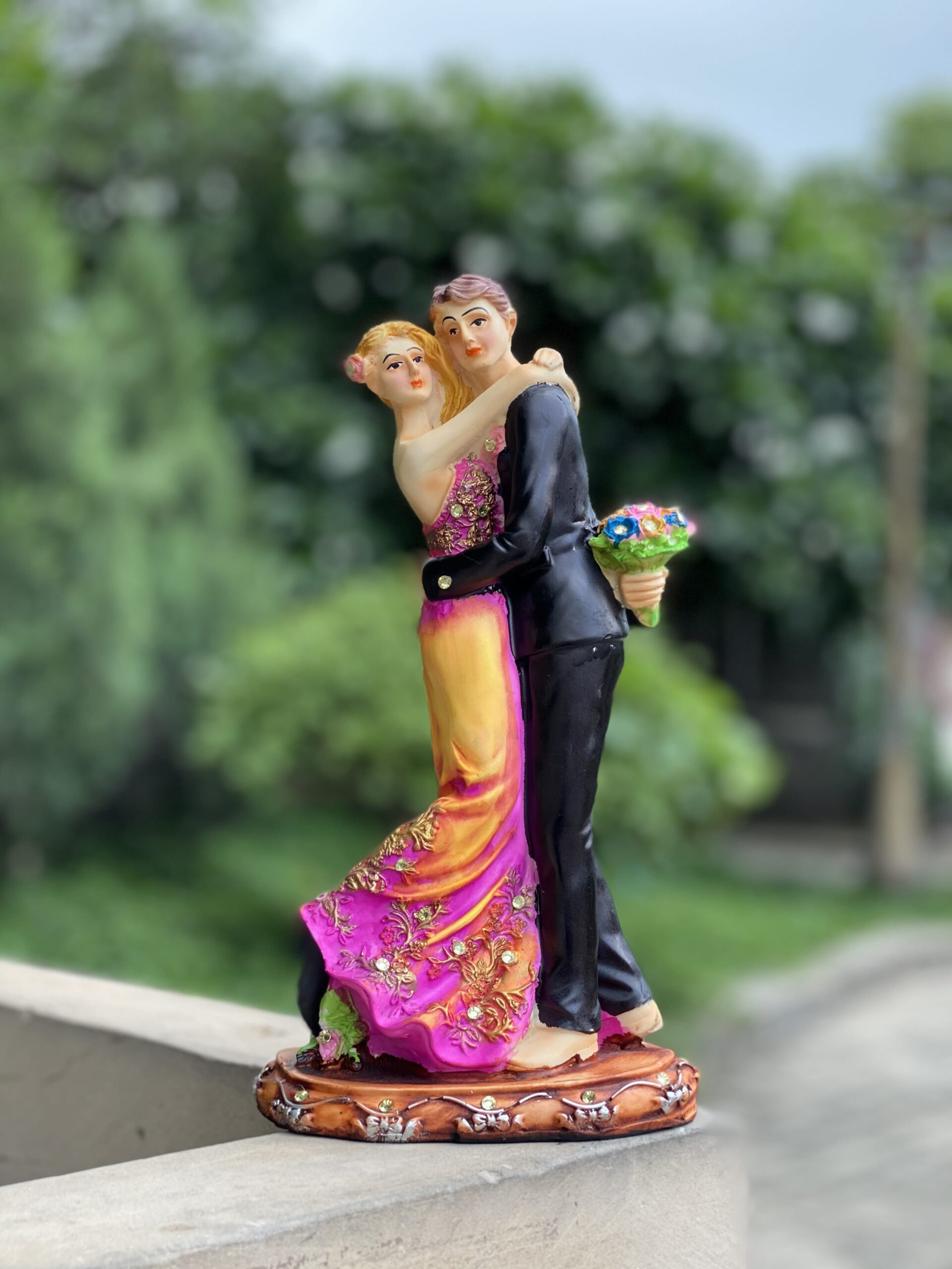 Love Couple Showpiece