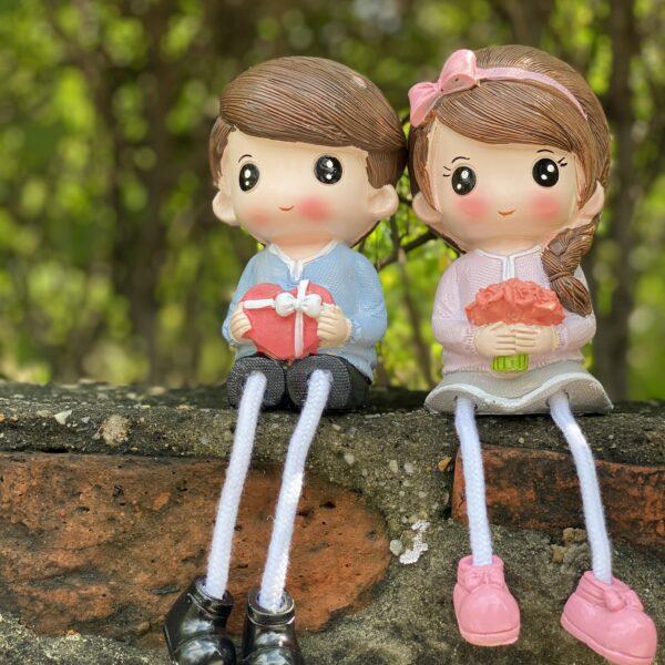 Cute Couple Showpiece