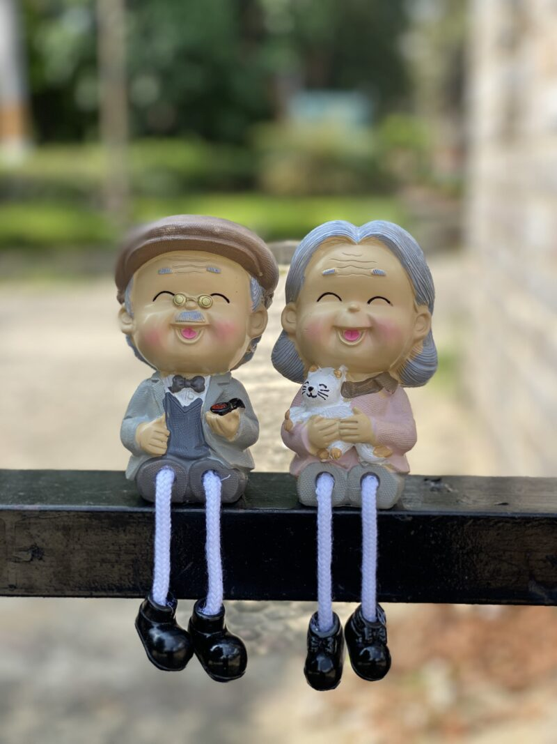 Happy Old Couple Showpiece